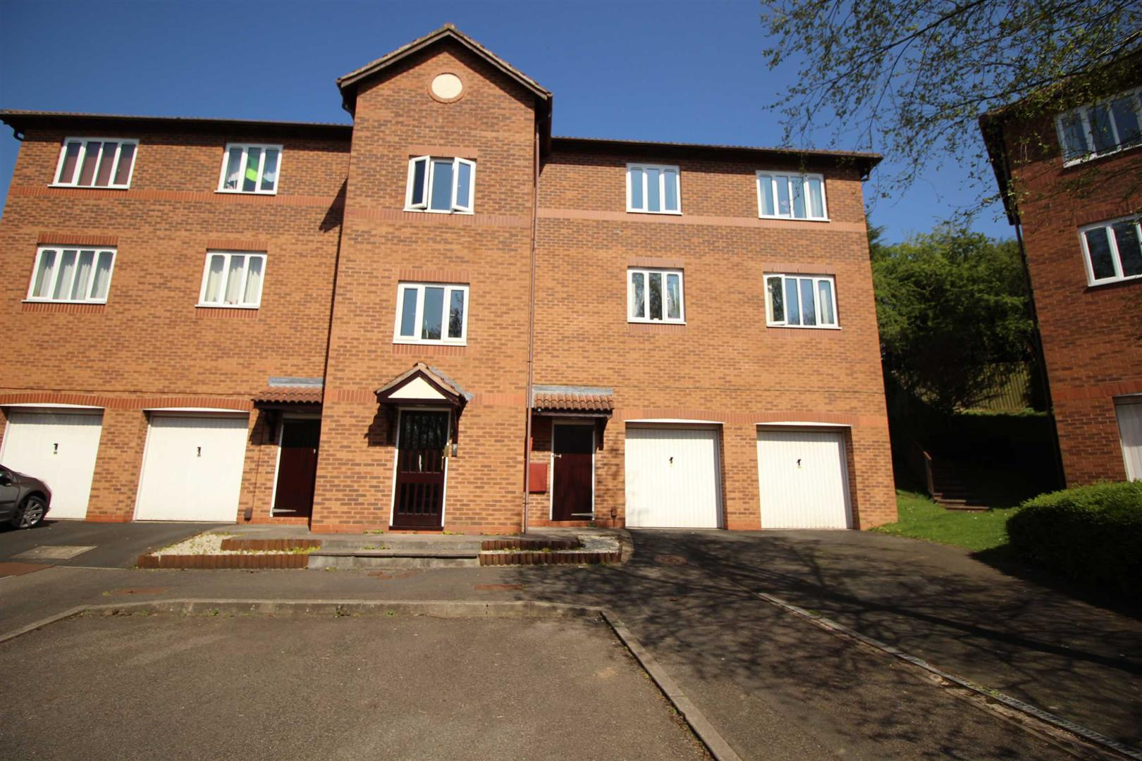 2 Bedrooms Flat for sale in Lydham Close, Riverside, Redditch